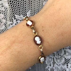 Vintage gold chained cameo bracelet